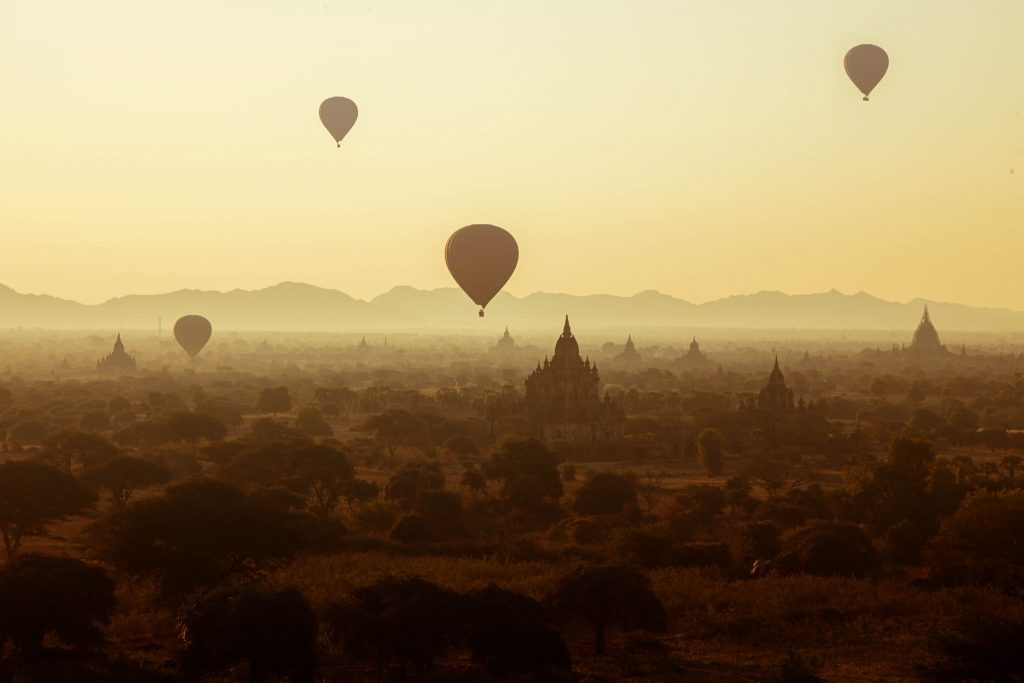 bagan hot air balloon season
