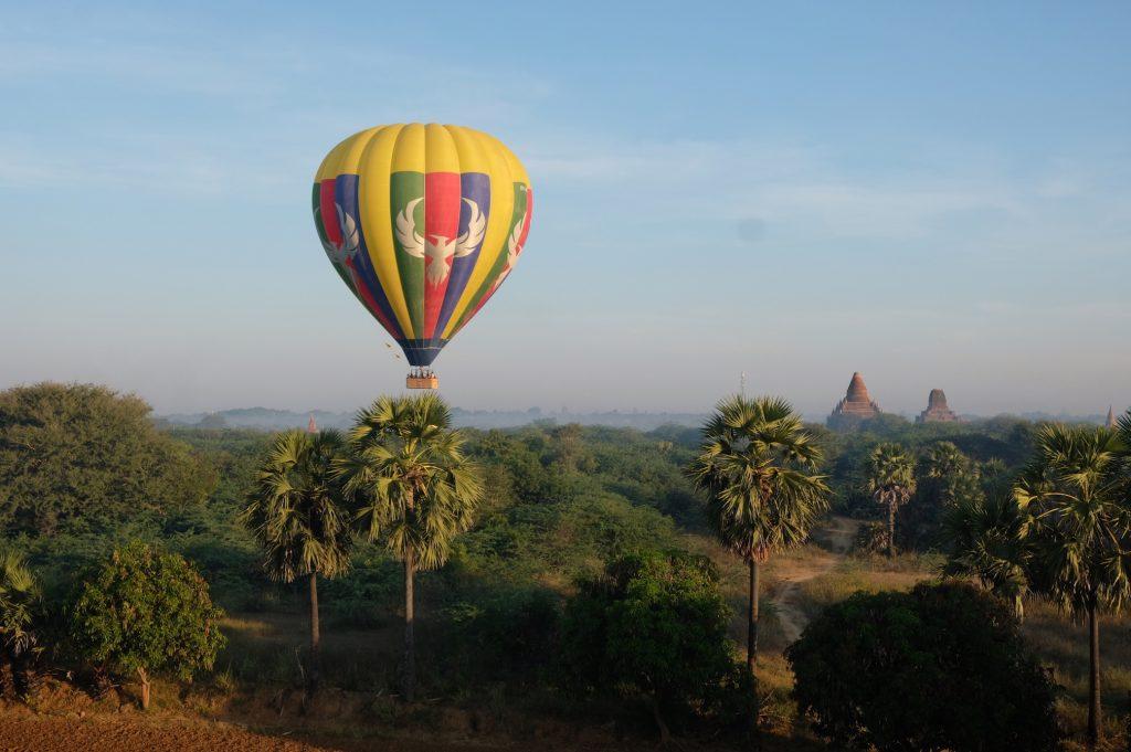 Landing Balloon Bagan